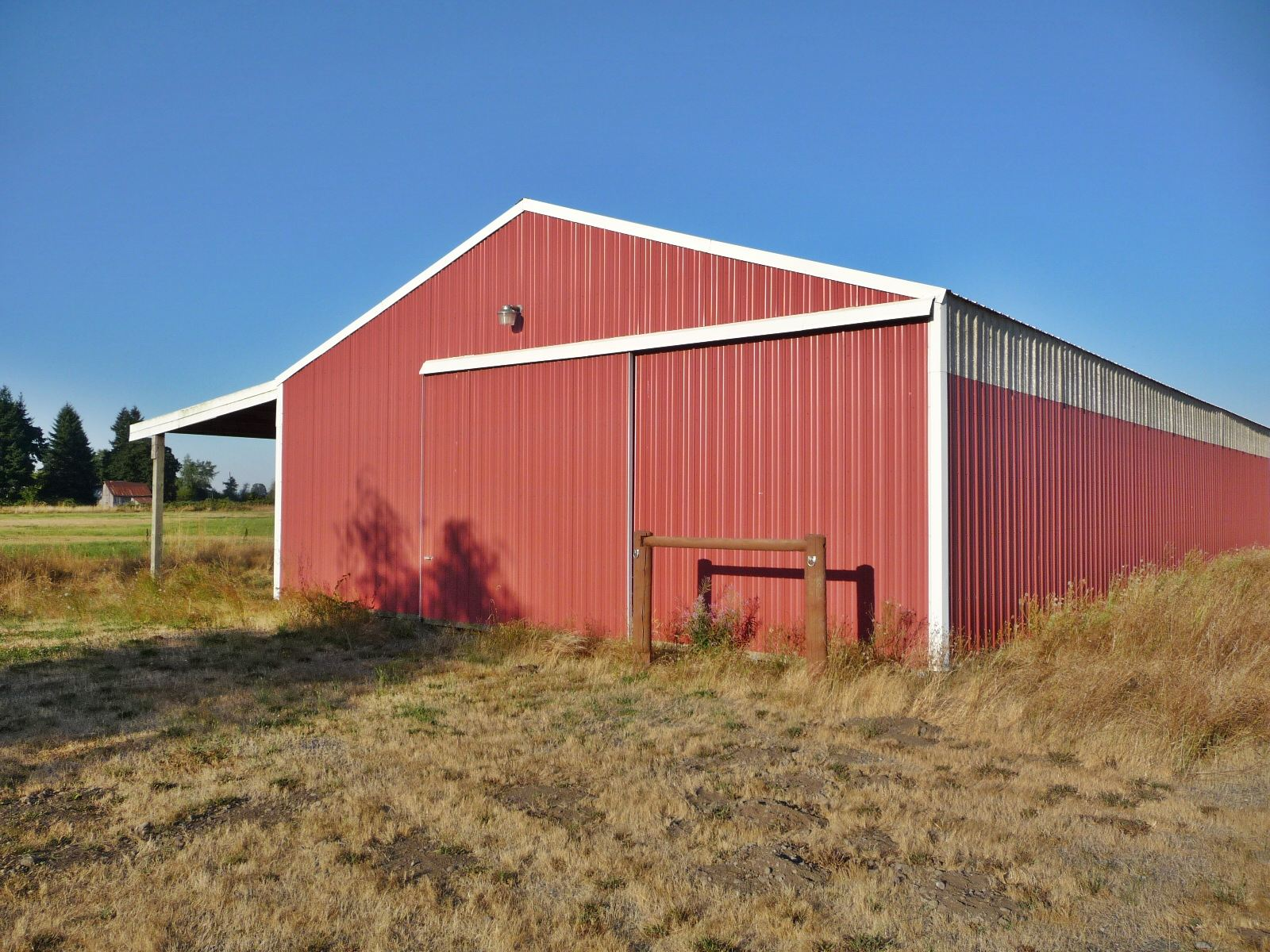 Possible dual living with horse barn near salem oregon for Barn builders oregon